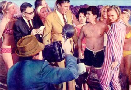 Frankie Avalon & Linda Evans are snapped on the beach