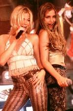 Piper & singer Lee Ann Rhimes in Coyote Ugly