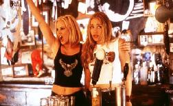 Piper with Maria Bello in Coyote Ugly